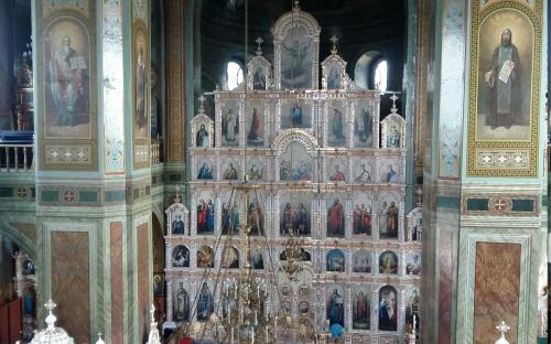 Задонск. В храме
