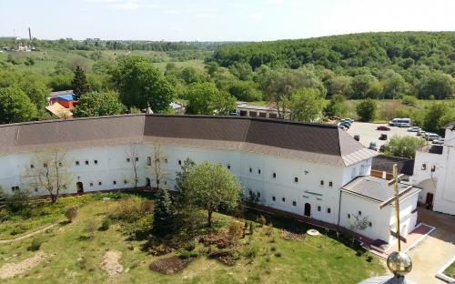 Обзор монастыря с колокольни