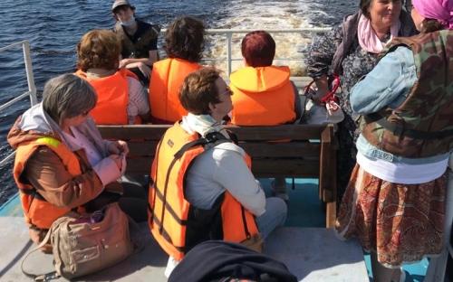 Плывем по Кубенскому озеру
