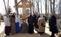 остров Залит. с отцом Паисием на могиле  о. Николая Гурьянова