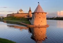 Псков. Слияние Псковы и реки Великой