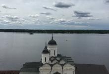 Вид на монастырь с колокольни