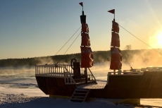 Тотьма. Корабли на Сухоне