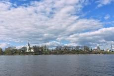 Впереди виднеется остров Залит